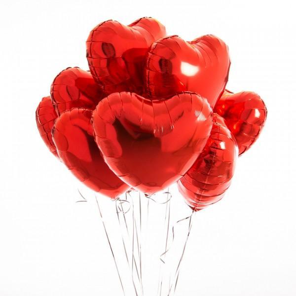 Композиция из шариков в форме сердца